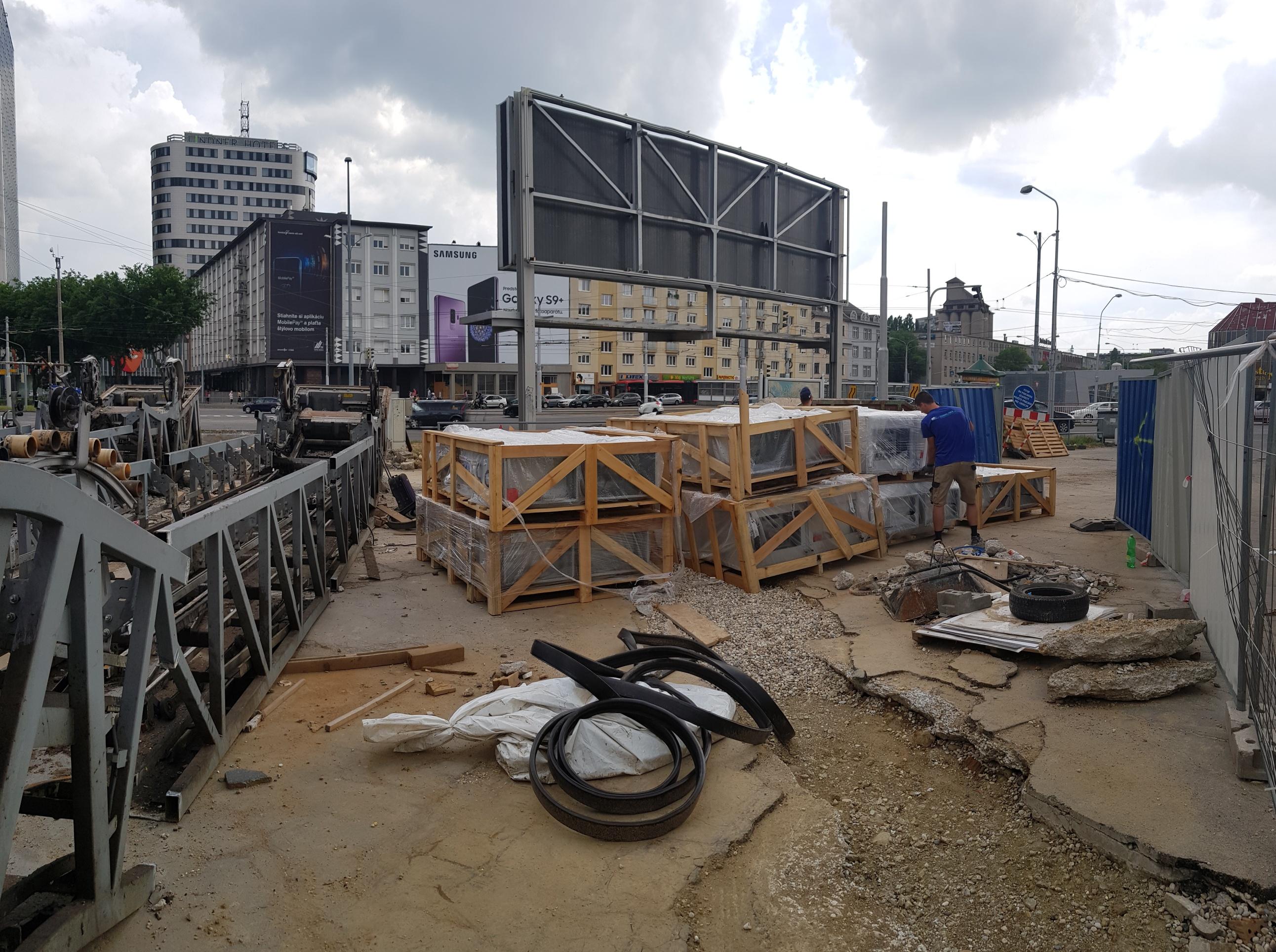 Rekonštrukcia podchodu Trnavské Mýto v Bratislave na nákupné centrum